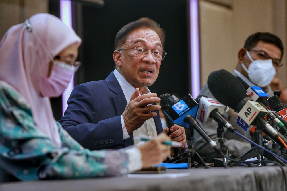 Anwar Claims He Has The Majority