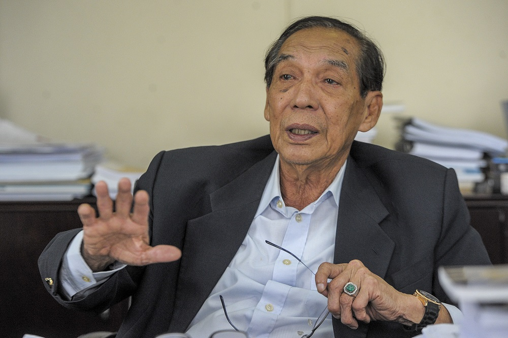 ERC chairman Tan Sri Abdul Rashid Abdul Rahman said it is high time a comprehensive review be conducted on existing laws for the electoral process, whether it is for by-elections or for a general election. ― Picture by Shafwan Zaidon