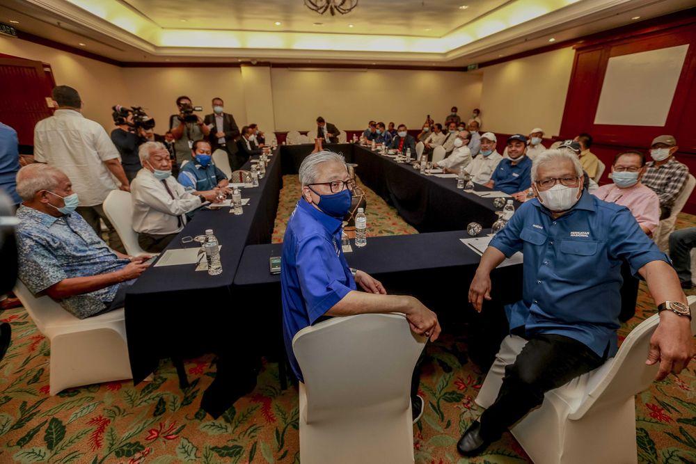 Gabungan Rakyat Sabah (GRS) leaders meeting at the Hotel Magellan in Kota Kinabalu, September 27, 2020. — Picture by Firdaus Latif