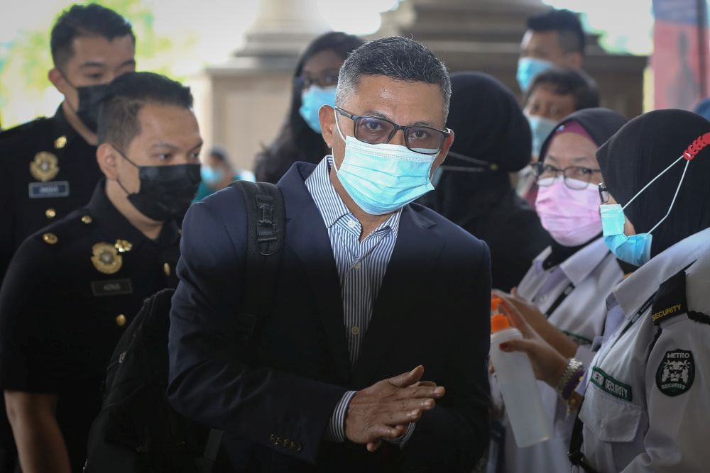 Ex-1MDB CEO Mohd Hazem Abd Rahman arrives at the Kuala Lumpur High Court September 15, 2020. — Picture by Yusof Mat Isa