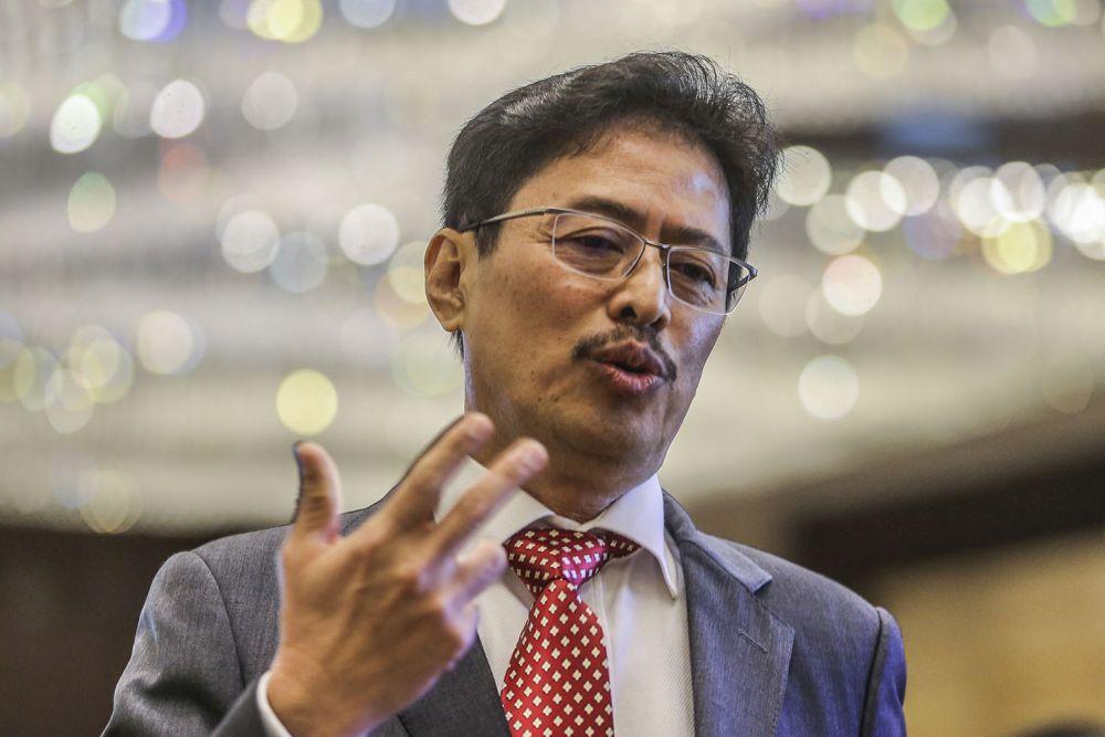 阿占巴基说,反贪会与副检察司商讨是否可向有关人士采取法律行动。-Hari Anggara摄-