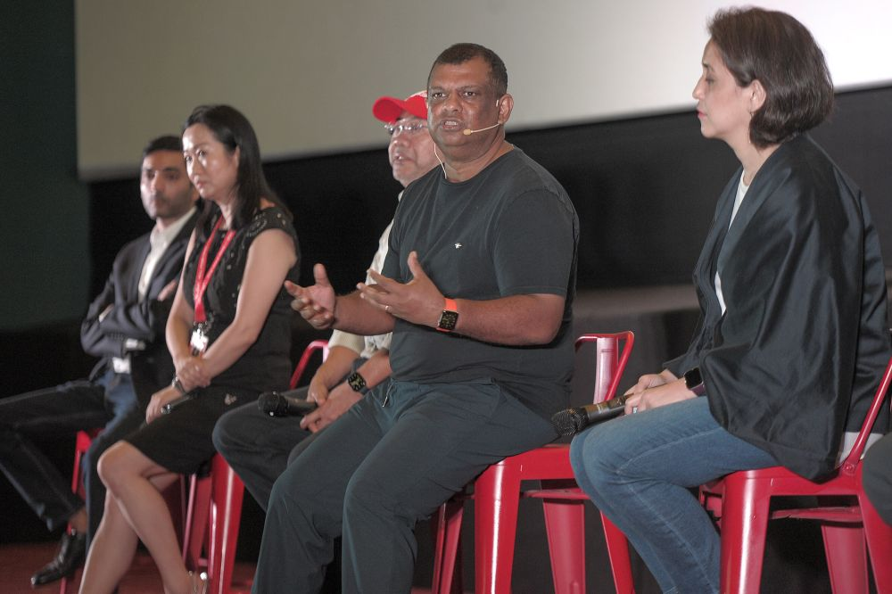AirAsia Group chief executive officer Tan Sri Tony Fernandes (centre) said the approval was a lifeline for BigPay. — Picture by Shafwan Zaidon