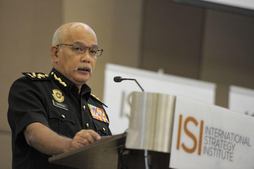 MACC Deputy Chief Commissioner Datuk Seri Shamshun Baharin Mohd Jamil delivers his speech during an anti-corruption forum in Putrajaya September 3, 2020. ― Picture by Shafwan Zaidon