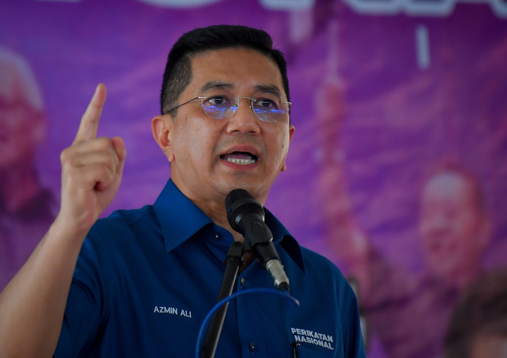 Datuk Seri Mohamed Azmin Ali accused Datuk Seri Anwar Ibrahim of being 'power hungry' and hit out at the Opposition as a whole. — Bernama pic