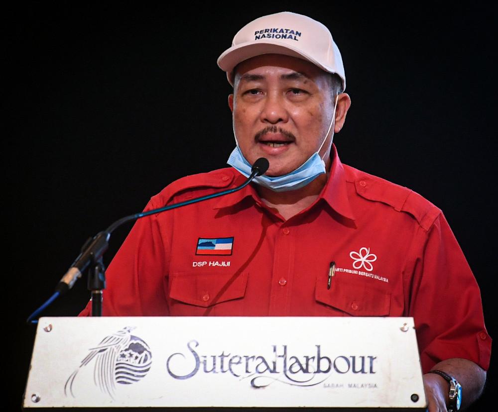 Datuk Seri Hajiji Noor speaks during the Gabungan Rakyat Sabah (GRS) Pledges for the People of Sabah launch in Kota Kinabalu, September 16, 2020. — Bernama pic