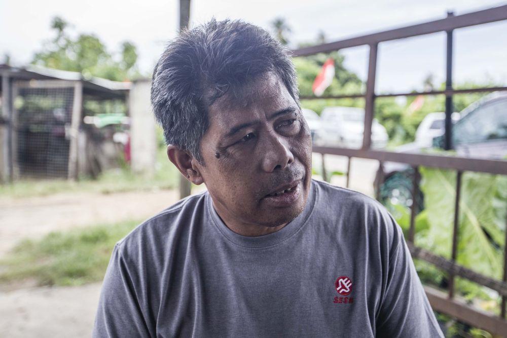 Electrician Datu Duhar speaks to Malay Mail during an interview in Pintasan, Kota Belud, Sabah September 16, 2020. — Picture by Firdaus Latif