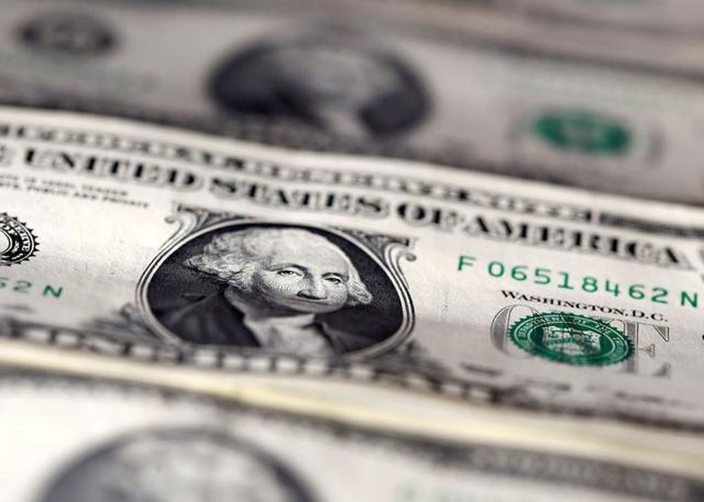 The dollar held steady in thin trade today but was on track for weekly losses against a basket of major currencies. — Reuters pic