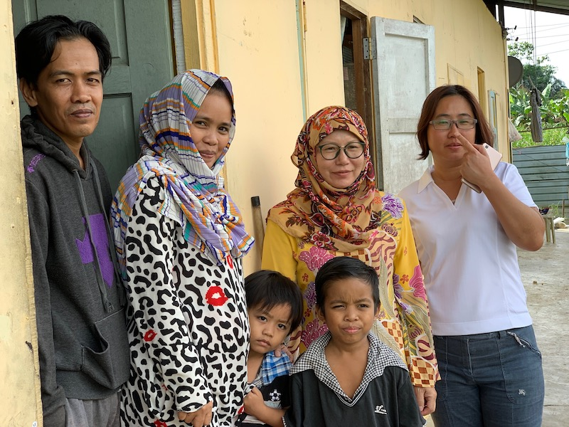 SAGA founder Dr Zaiton Yahaya (in yellow) poses for a photo with beneficiaries of MAF's SHAPE programme in Sabah. — Picture courtesy of MAF