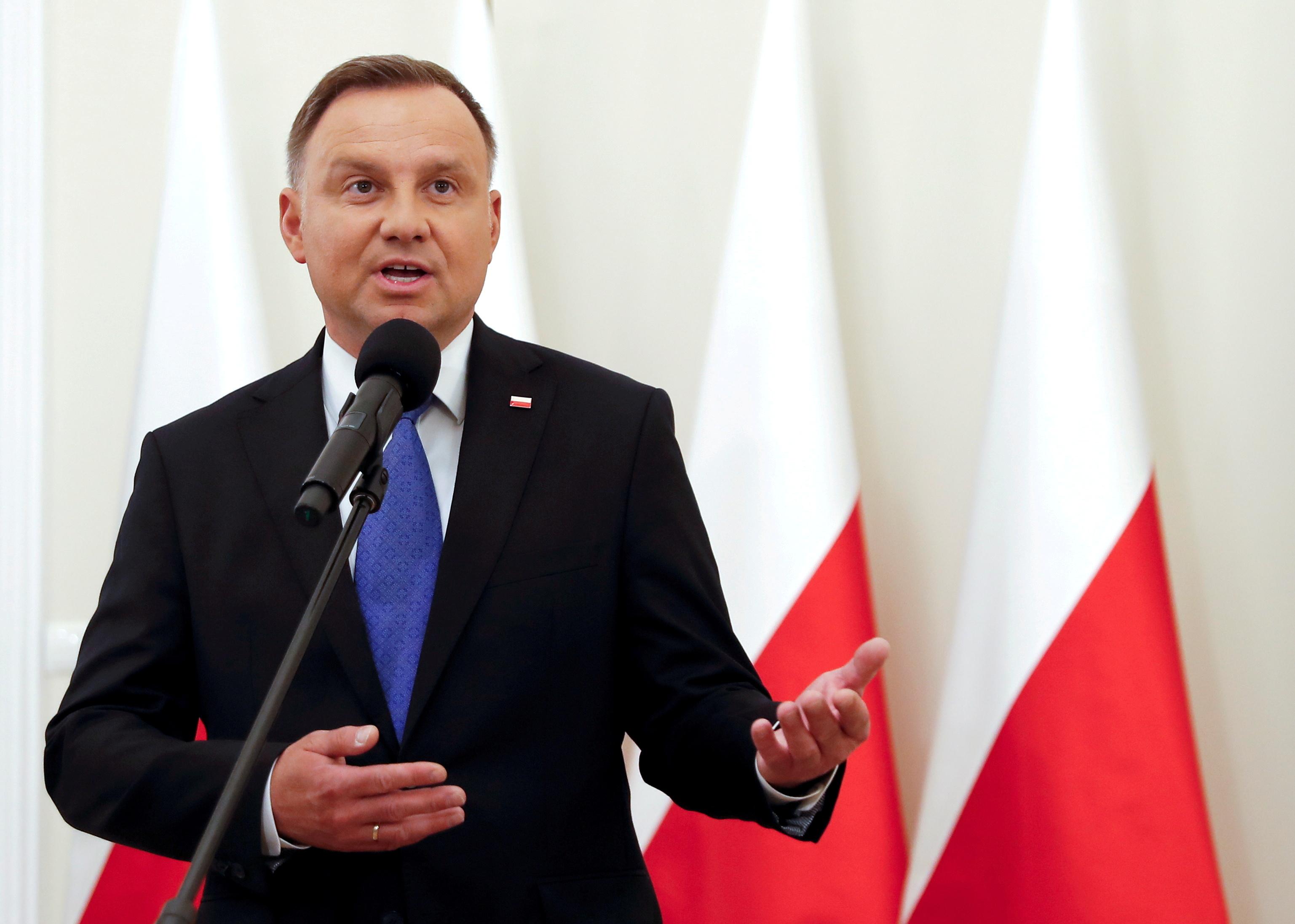48岁的波兰总统杜达周五接受病毒检测,结果呈现阳性。-路透社-