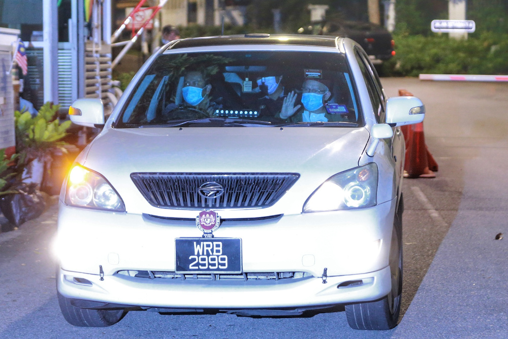 Religious affairs minister Datuk Zulkifli Mohamad leaves Tan Sri Muhyiddin Yassin's house after attending a meeting with the prime minister October 25, 2020. — Picture by Ahmad Zamzahuri