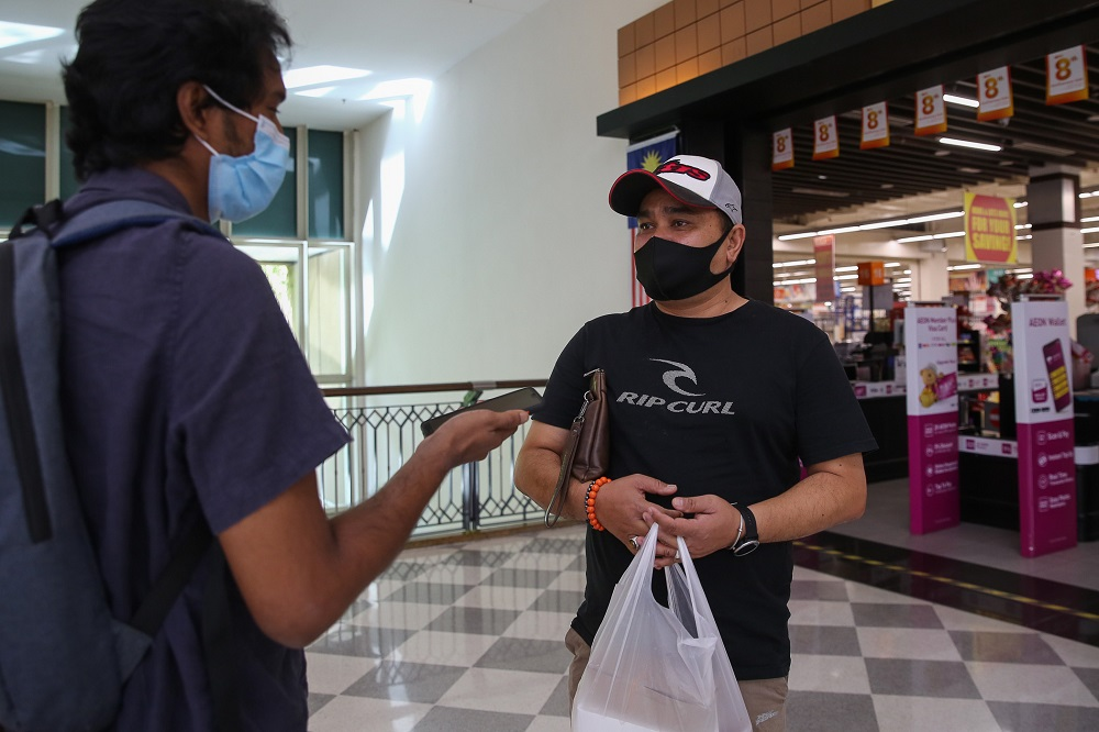 Shafri Al-Rizan speaks to Malay Mail during an interview at the Alamanda Shopping Centre in Putrajaya October 27, 2020. — Picture by Yusof Mat Isa