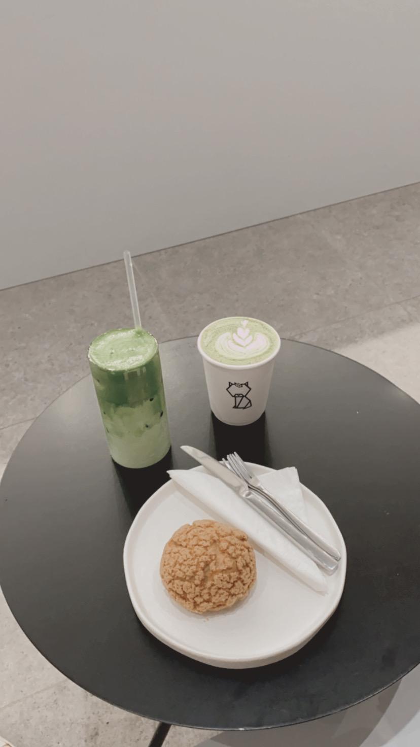 除了提供不同种类的抹茶,这里还可以顾客可以先选抹茶种类,然后再选择要配白开水、牛奶、豆奶或燕麦奶等。-方贝欣摄-