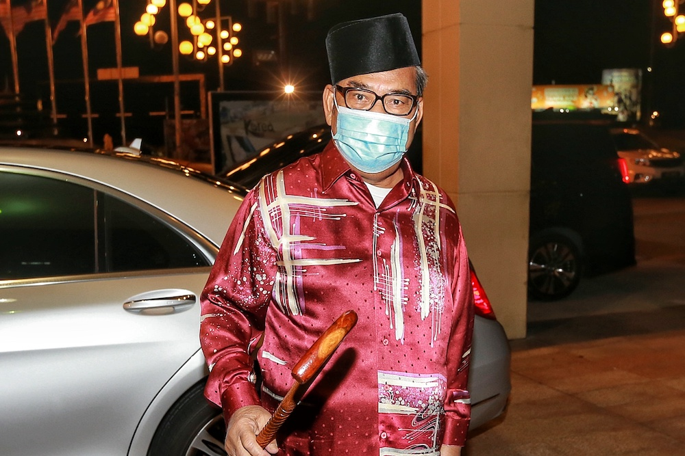 Datuk Seri Tajuddin Abdul Rahman arrives at Menara Datuk Onn for the Umno Supreme Council meeting, October 29, 2020. — Picture by Ahmad Zamzahuri