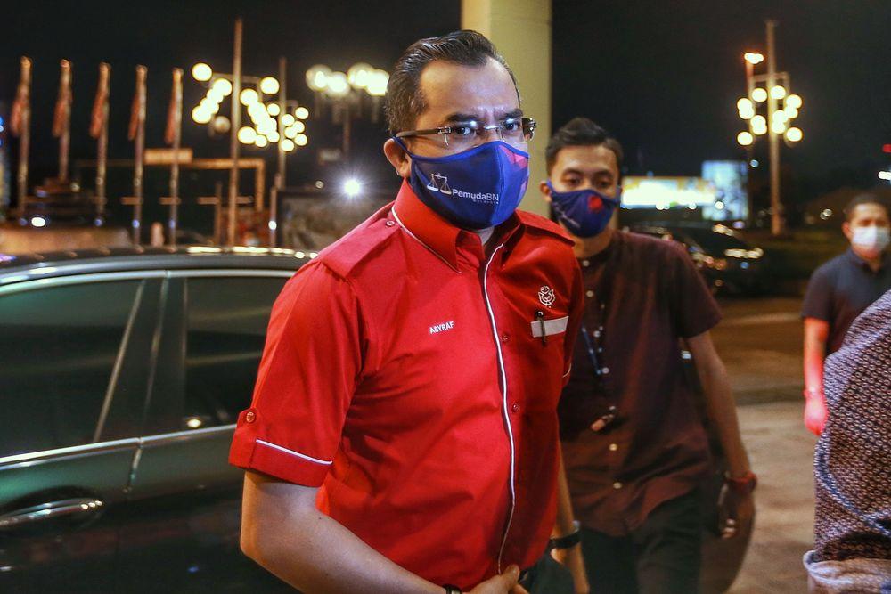 Umno Youth chief Datuk Asyraf Wajdi Dasuki arriving at the party's headquarters in Kuala Lumpur, October 26, 2020. — Picture by Ahmad Zamzahuri