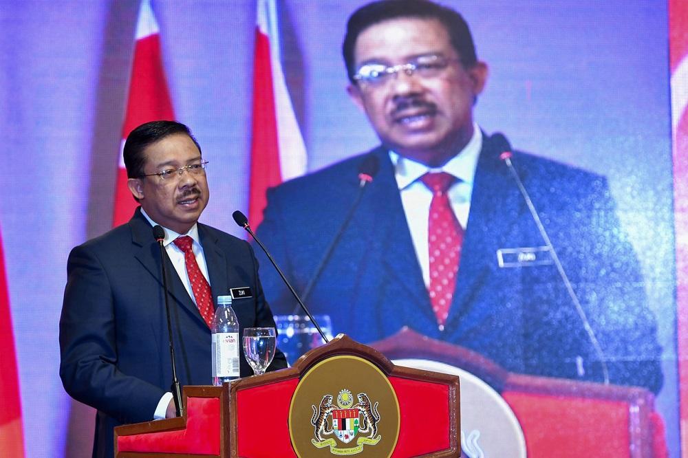 Chief Secretary to the Government Tan Sri Mohd Zuki Ali delivers a speech in Kuala Terengganu October 1, 2020. — Bernama pic
