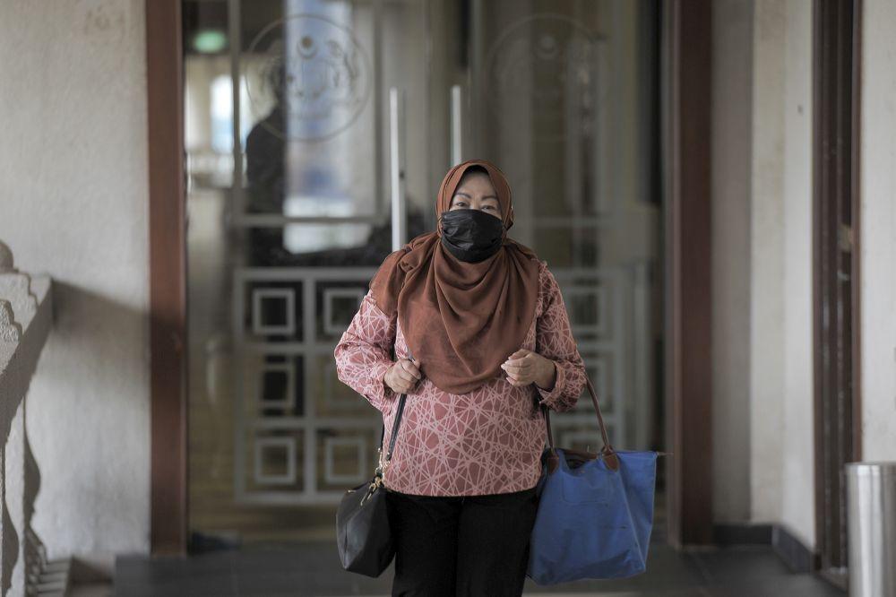 Former Malaysian External Intelligence Organisation chief Datuk Hasanah Abdul Hamid arrives at the Kuala Lumpur High Court October 8, 2020. — Picture by Shafwan Zaidon