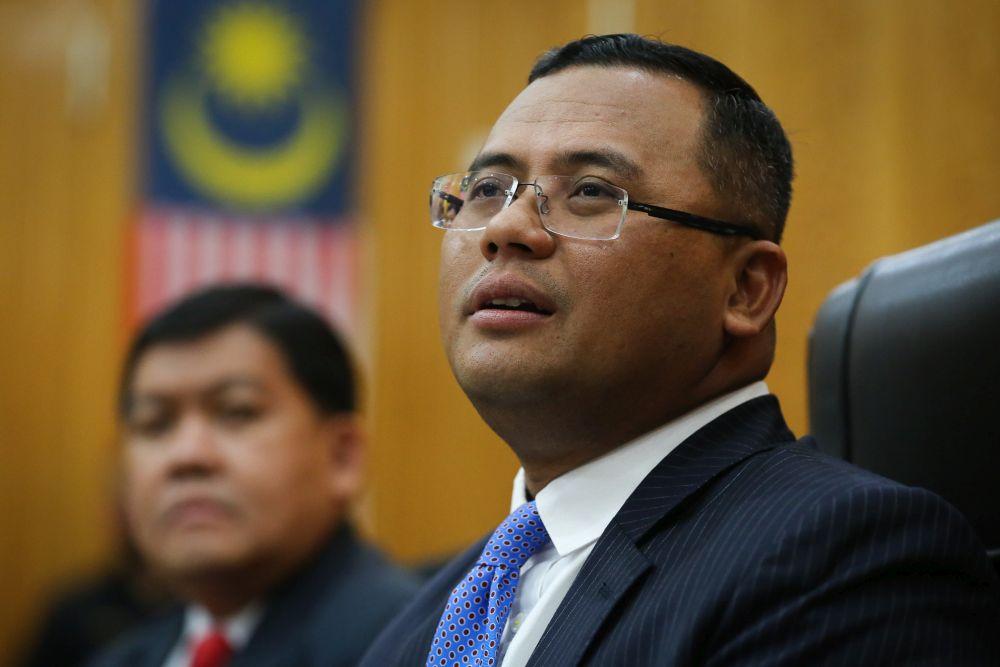 Selangor Mentri Besar Datuk Seri Amirudin Shari speaks during a press conference at the Selangor state secretariat building in Shah Alam October 21, 2020. — Picture by Yusof Mat Isa