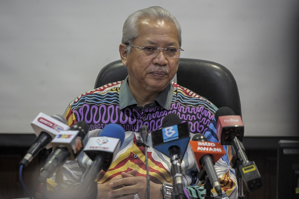 Tan Sri Annuar Musa says Muafakat Nasional will have a meeting this Monday. — Picture by Shafwan Zaidon