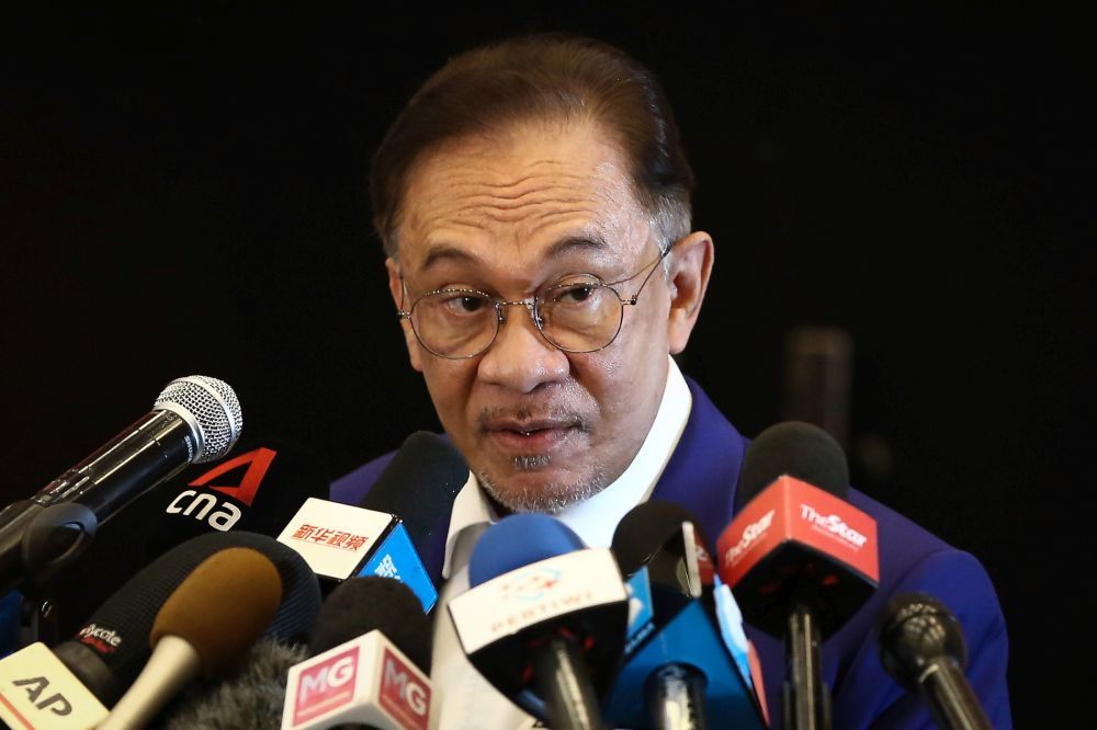 Datuk Seri Anwar Ibrahim speaks during a press conference at Le Meredian Kuala Lumpur October 13, 2020. — Picture by Yusof Mat Isa