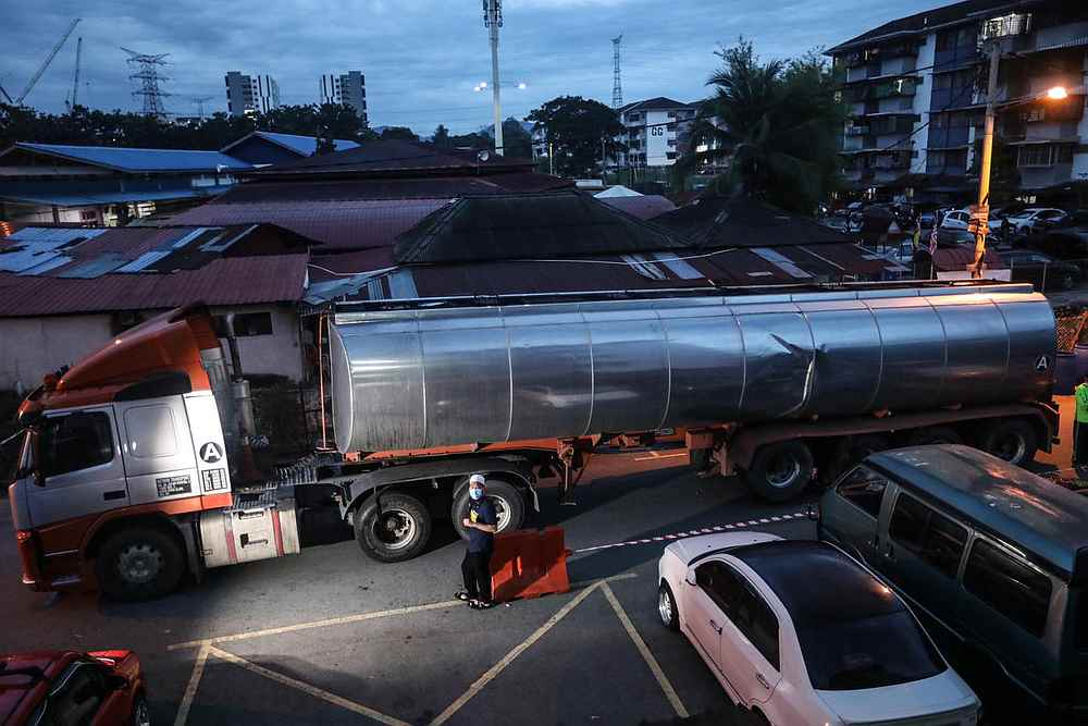 One of the water tankers used for distribution at Batu Caves on October 19, 2020. — Picture courtesy of Facebook/ Ebit Lew