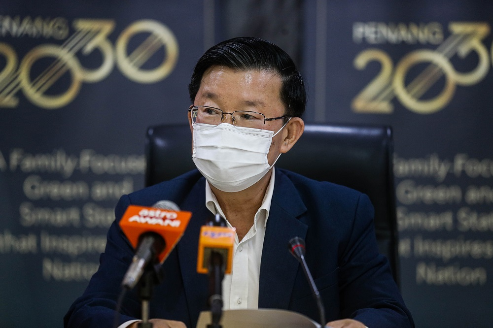Penang Chief Minister Chow Kon Yeow speaks during a press conference at Komtar in George Town October 1, 2020. ― Picture by Sayuti Zainudin