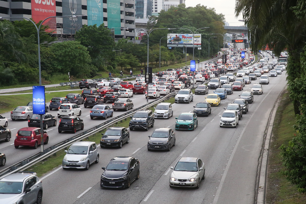 A view of the traffic along the Federal Highway October 13, 2020. — Picture by Choo Choy May