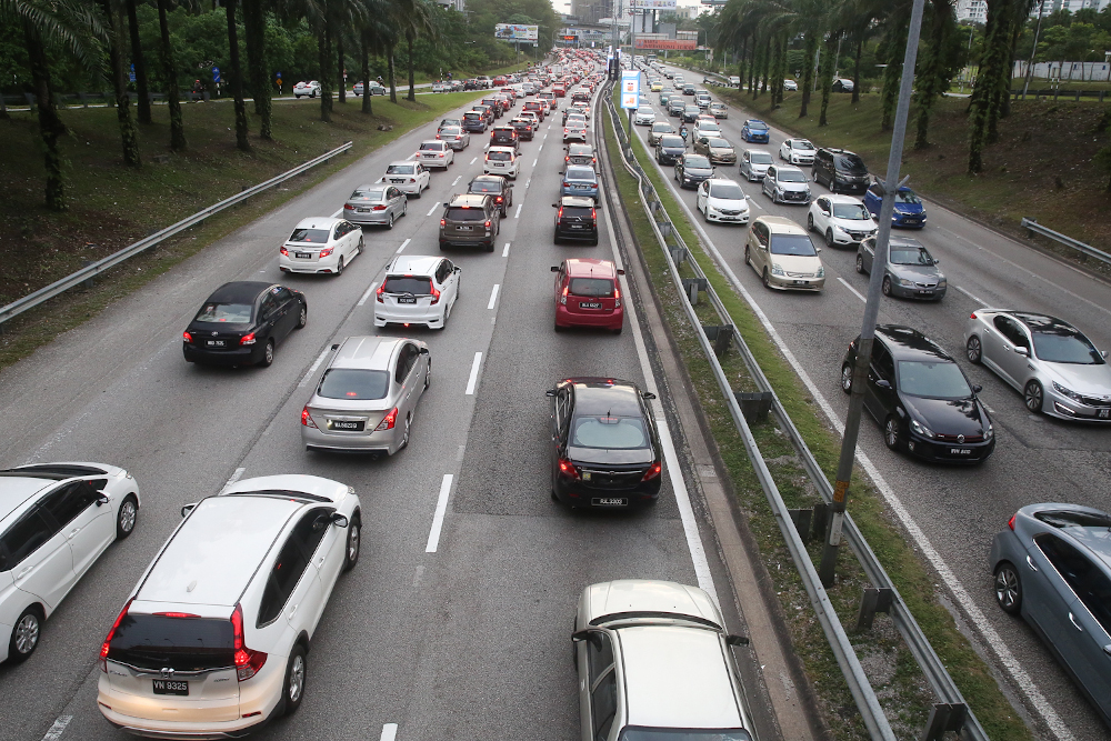 Deputy director (Intelligence/Operations) of Bukit Aman Criminal Investigation Department, Datuk Dev Kumar said the number of reported vehicle theft cases nationwide had shown a decline each year. — Picture by Choo Choy May