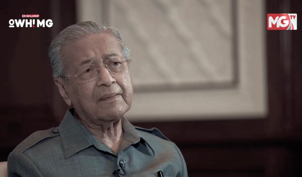 A screenshot of Dr Mahathir in an interview with Malaysia Gazette aired on Facebook September 30, 2020.