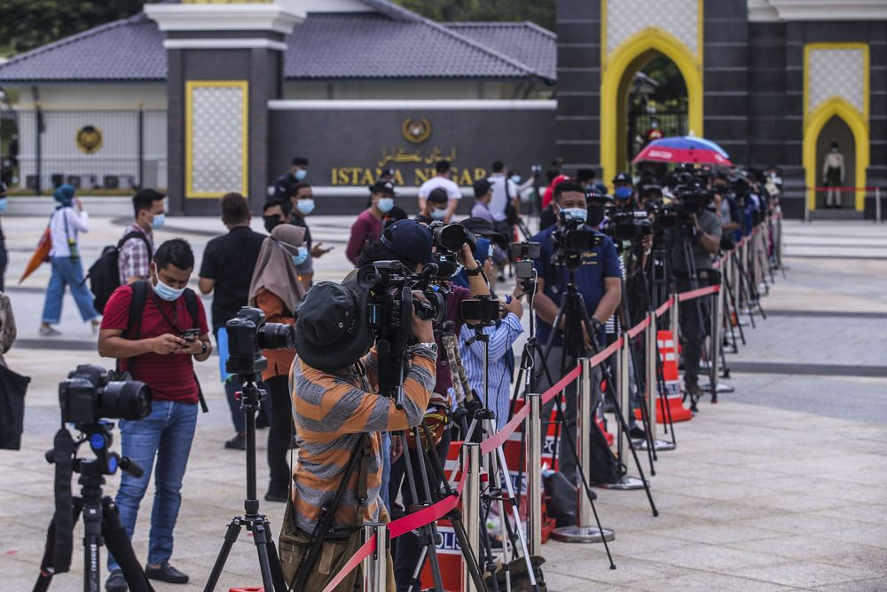 Members of the media gather outside Istana Negera, Kuala Lumpur October 25, 2020. Media practitioners said there has been scant progress when it comes to championing women rights in the media industry. — Picture by Hari Anggara