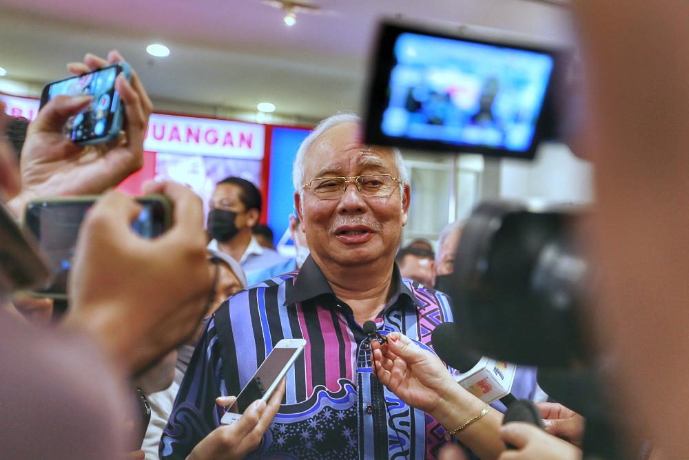 纳吉驳斥媒体报导指他逼迫所有巫统国会议员支持安华为首相。-Ahmad Zamzahuri摄-