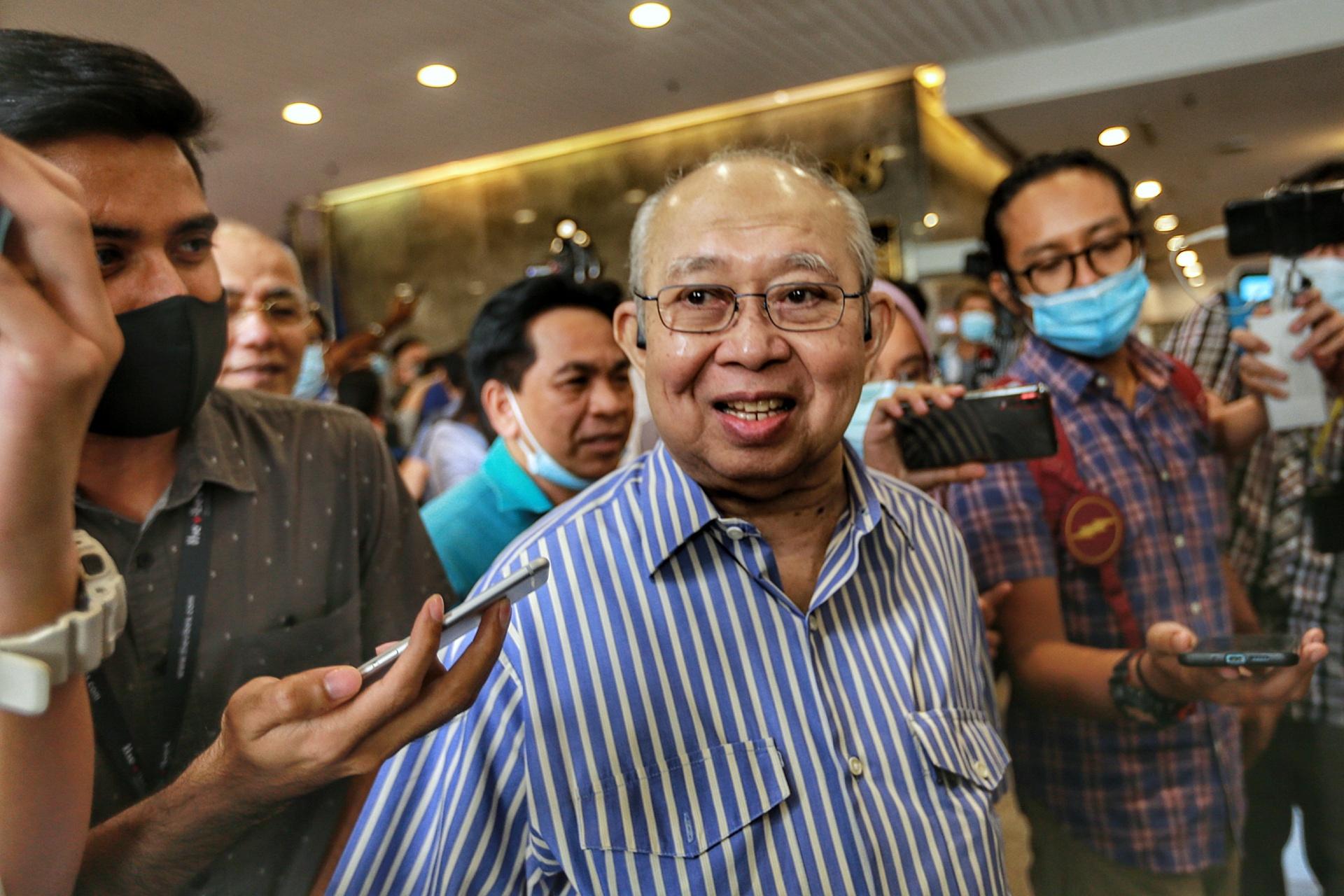 东姑拉沙里证实染疫,目前在马来亚大学医药中心接受治疗。-Ahmad Zamzahuri摄-