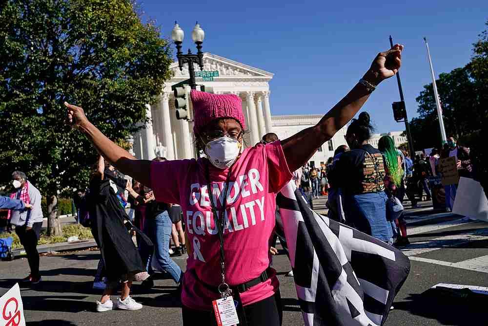 Republican Senator appears to mock Kamala Harris' name at Trump rally