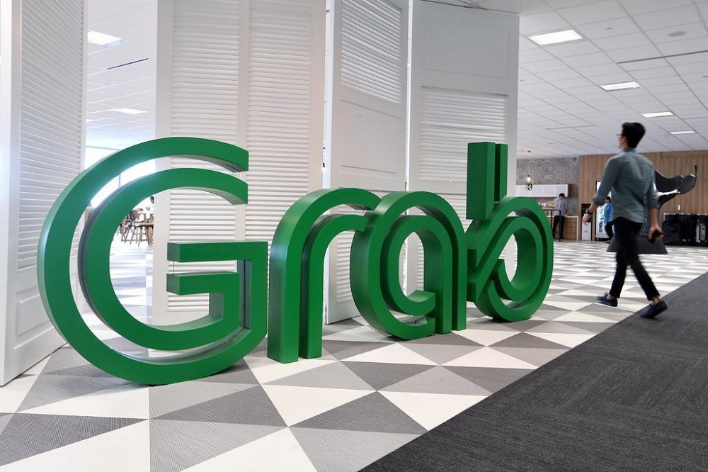 Grab said that the only change it would make to its fares is to introduce a 30-cent platform fee for its ride-hailing services. — TODAY pic