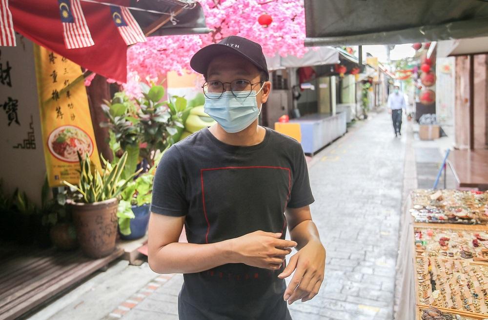 罗先生表示,可能会在下周起暂时关店。-Farhan Najib摄-