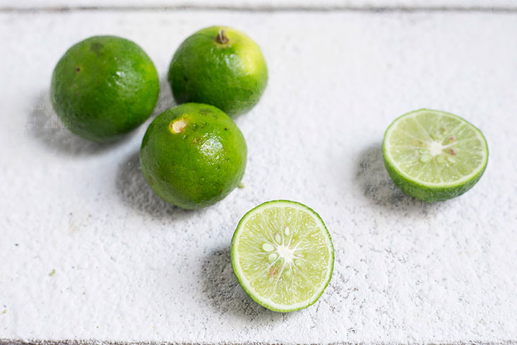 Fresh green limes for the requisite acidity