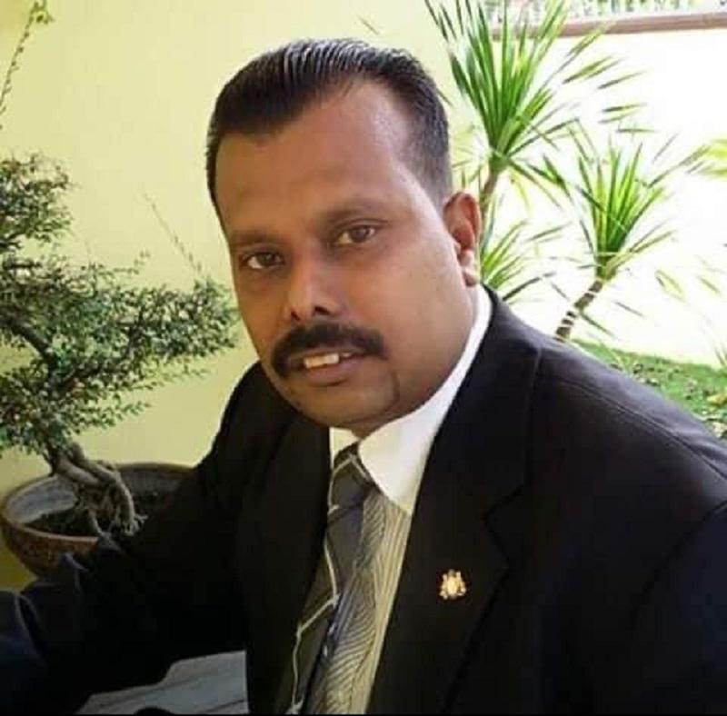 Johor MIC information chief Deva Sangaran today reminded Parti Pribumi Bersatu Malaysia's (Bersatu) Permas assemblyman Datuk Seri Che Zakaria Mohd Salleh to focus on his constituency and stop meddling in the state's politics. — Picture via Facebook