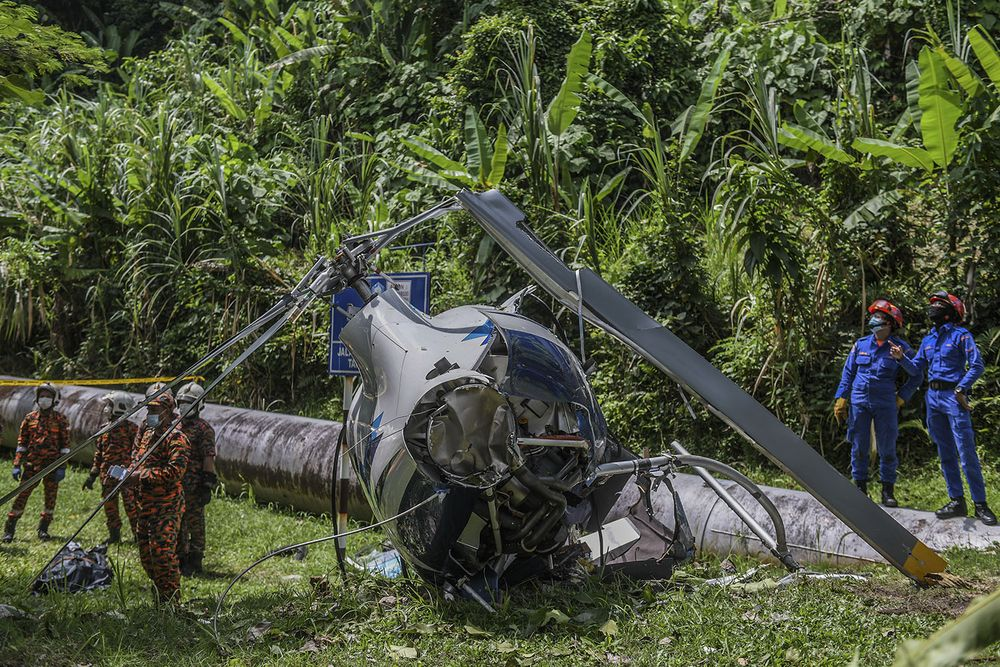 The scene on the day a helicopter crashed in Melawati on November 8, 2020. — Picture by Hari Anggara