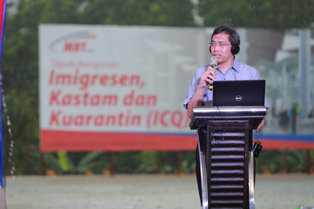 MRT Corp CEO Datuk Mohd Zarif Hashim speaks during the ground-breaking ceremony for the proposed Bukit Chagar Customs, Immigration and Quarantine (CIQ) Complex in Johor Baru November 22, 2020. — Picture courtesy of MRT Corp