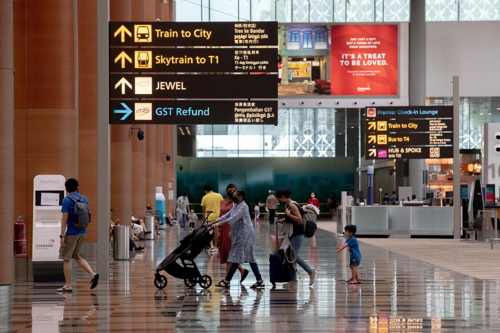 The latest border control measures will take effect from Sunday November 22, 11.59pm. All travellers who have been to Japan and Malaysia in the past 14 days before arriving in Singapore must serve a two week stay-home notice at dedicated facilities. ― TODAY pic