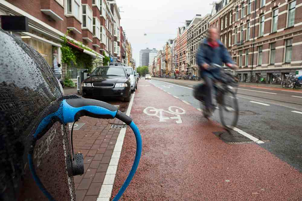 Internal combustion cars should gradually give way to electric vehicles in Europe's big cities (picture shows Amsterdam). — tunart / IStock.com pic via AFP