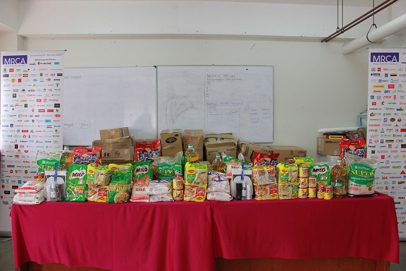 Groceries were distributed to the Kassim Chin Humanity Foundation, one of six beneficiaries of the 'Love Touches Lives' charity project by MRCA. ― Picture courtesy of MRCA