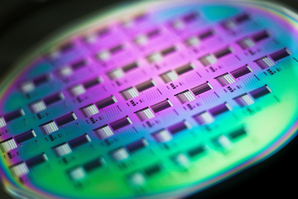 A silicon wafer is pictured during the media presentation of the Guardian Angels project in one of the low particle pollution nanofabrication clean rooms of the Swiss Federal Institute of Technology (EPFL) in Ecublens May 16, 2011. — Reuters pic