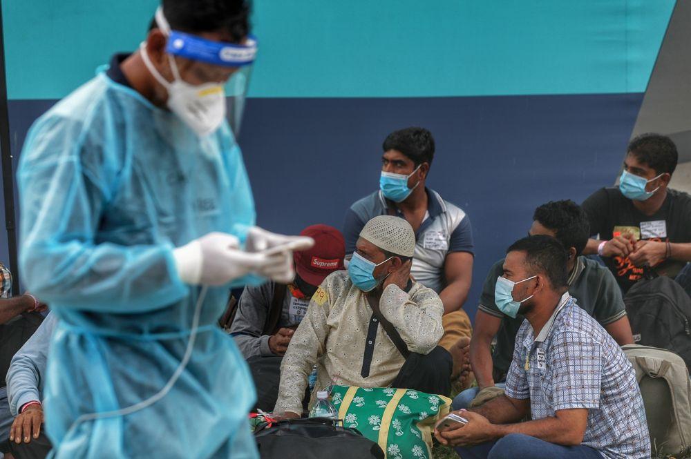随着国家元首颁布紧急状态后,政府可以征用私人医院的病床、实验室等,或者征用有关医院作为隔离中心。 -Ahmad Zamzahuri摄-