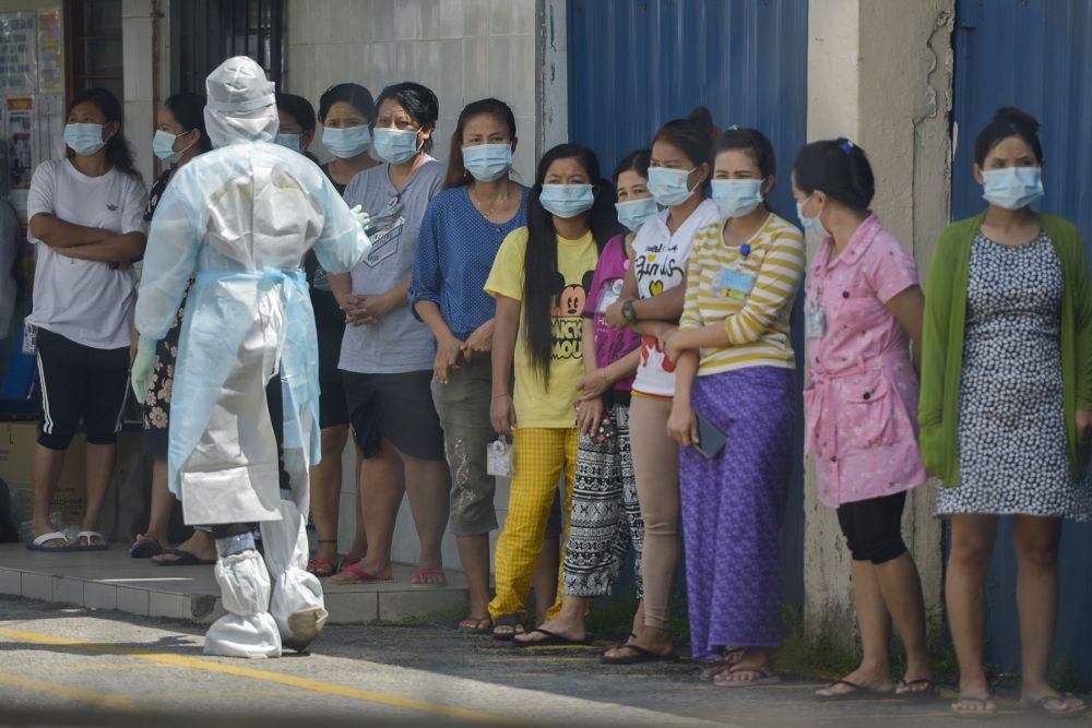 诺希山说,截至今日,我国一共录得330个感染群,其中163个感染群已脱离观察。-Miera Zulyana摄-