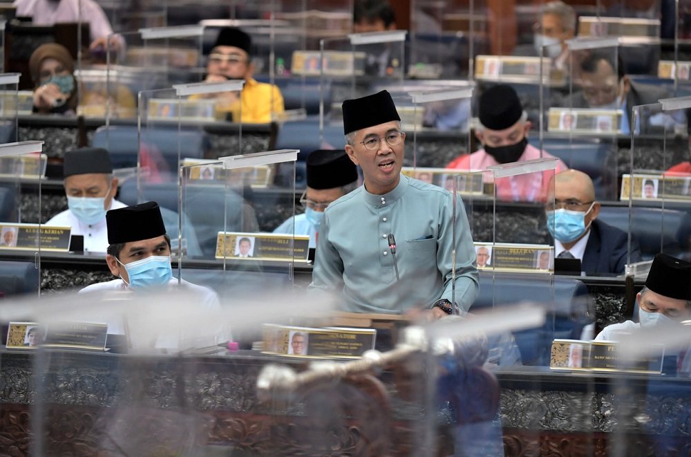 Over the medium term, Tengku Zafrul said the government is committed to lowering the budget deficit to four per cent of gross domestic product (GDP) by 2023. ― Bernama pic
