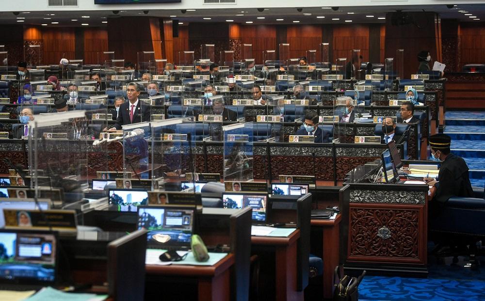 Finance Minister Datuk Seri Tengku Zafrul Abdul Aziz speaks during the winding-up debate on the Supply Bill 2021 in the Dewan Rakyat today, November 26, 2020. ― Bernama pic