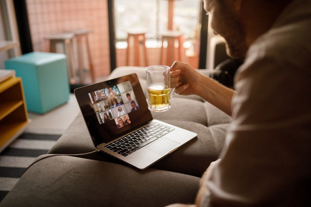Harmful drinking among adults increases the longer they spend at home in lockdown, according to research. — IStock.com pic