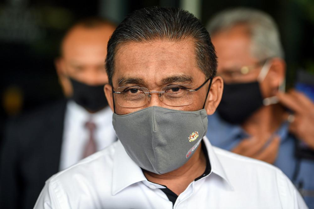 Datuk Takiyuddin Hassan said the move by the Barisan Nasional MP did not affect PN's majority in the Dewan Rakyat.. — Bernama pic