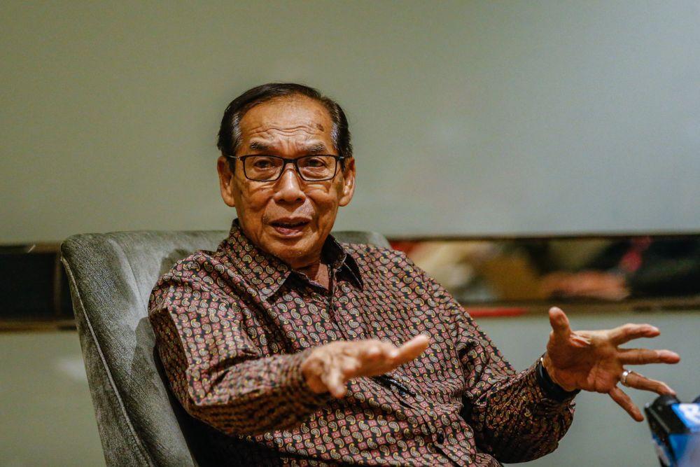 Tan Sri Ab Rashid Abdul Rahman speaks during a press conference in Kuala Lumpur December 18, 2020. — Picture by Firdaus Latif