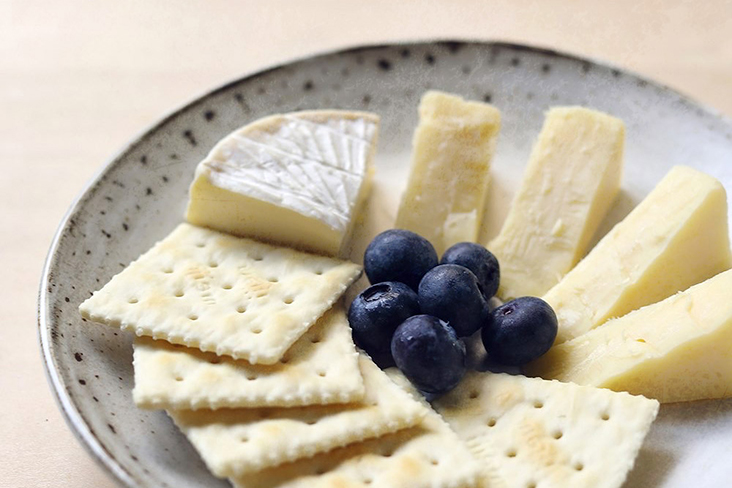 Cheese and crackers can serve as a simple starter while you prepare your hot dishes. – Pictures by CK Lim